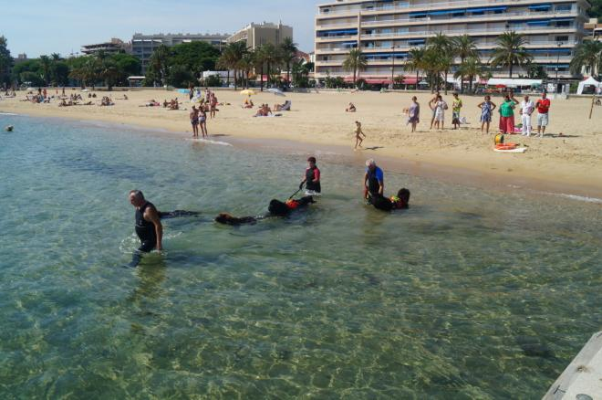 Démonstration sur la plage